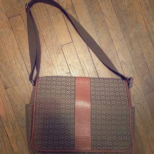 Gorgeous Coach Messenger Bag